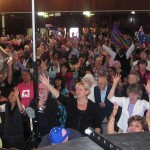 750 Christians unite in worship